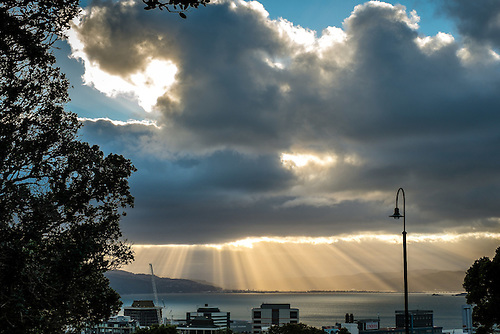 2014_07_15 Wellington Harbour God Rays