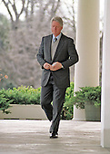 United States President Bill Clinton walks to the Rose Garden of the White House in Washington, DC to sign the Consolidated Appropriations Act for Fiscal Year 2000, providing funding for education, public safety, the environment, international leadership, health care and other priorities on November 29, 1999.  The President also pushed Congress to complete his agenda when it returns in January, 2000.<br /> Credit: Ron Sachs / CNP