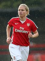 Gilly Flaherty of Arsenal - Arsenal Ladies vs Sparta Prague - UEFA Women's Champions League at Boreham Wood FC - 11/11/09 - MANDATORY CREDIT: Gavin Ellis/TGSPHOTO - Self billing applies where appropriate - Tel: 0845 094 6026