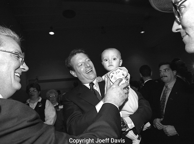 IOWA, 2000: Vice President Al Gore campaigning for president in the run up to the 2000 Iowa Caucus