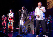 EARTH WIND AND FIRE (2013)