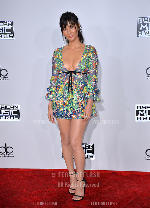 LOS ANGELES, CA. November 20, 2016: Actress Olivia Munn at the 2016 American Music Awards at the Microsoft Theatre, LA Live.<br /> Picture: Paul Smith/Featureflash/SilverHub 0208 004 5359/ 07711 972644 Editors@silverhubmedia.com