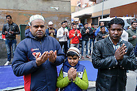 Musulmani pregano per Papa Francesco