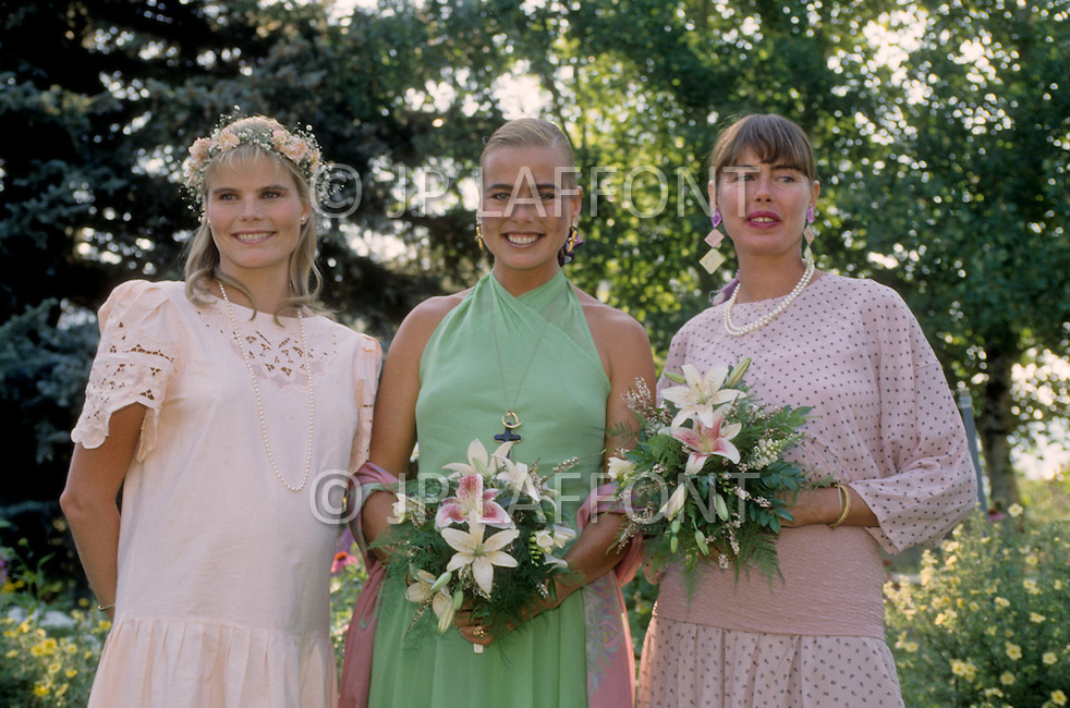 Ketchum, Idaho, U.S.A, August, 5th,1989. From left to right: Mariel, Margaux and Muffet Hemingway at their father's, Jack Hemingway, second wedding with Angela Holvey.