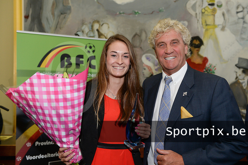 20150529 – OOSTENDE , BELGIUM : Tessa Wullaert and Jean-Marie Pfaff pictured during  the 1st edition of the Sparkle  award ceremony , Friday 29 May 2015, in Oostende . The Sparkle  is an award for the best female soccer player during the season 2014-2015 comparable to the Golden Shoe / Gouden Schoen / Soulier D'or for Men . PHOTO DAVID CATRY