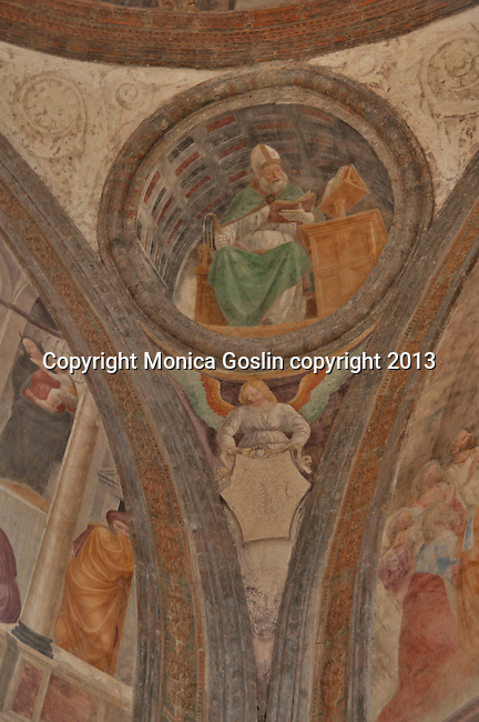 Portinari Chapel was built in the 14th century and houses the relics of Saint Peter of Verona; the small chapel is part of the Basilica of Sant'Eustorgio, which holds the tomb of the Three Kings, of Romanesque style and rebuilt in the 12th century