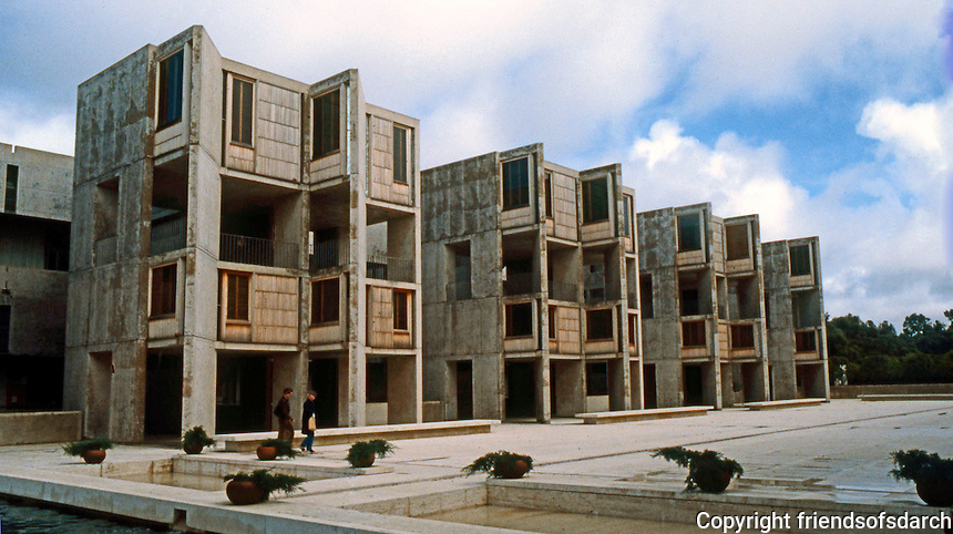 Louis I. Kahn: Salk Institute, La Jolla. North wing. Photo 2004.