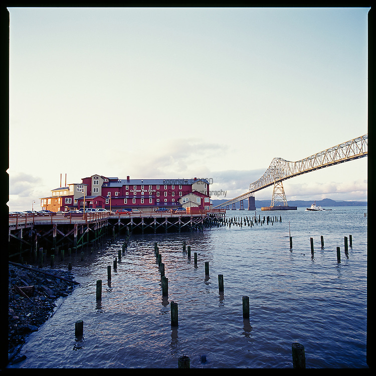 cannery pier hotel astoria oregon commercial travel. Black Bedroom Furniture Sets. Home Design Ideas