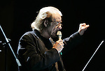 Spanish singer Luis Eduardo Aute performs during the closing concert of the 2007 Quimera Fest in Metepec, Mexico state. Photo by Javier Rodriguez