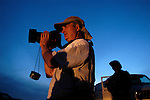 A Minuteman Project volunteer looks for illegal aliens with a thermal imaging scope on the US/Mexico border near Naco, Arizona on Saturday, April 2, 2005.<br />