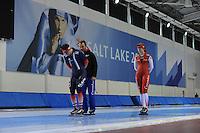 SCHAATSEN: SALT LAKE CITY: Utah Olympic Oval, 13-11-2013, Essent ISU World Cup, training, Benjamin Macé (FRA), Jan van Veen (trainer/coach Team Corendon), Lotte van Beek (NED), ©foto Martin de Jong