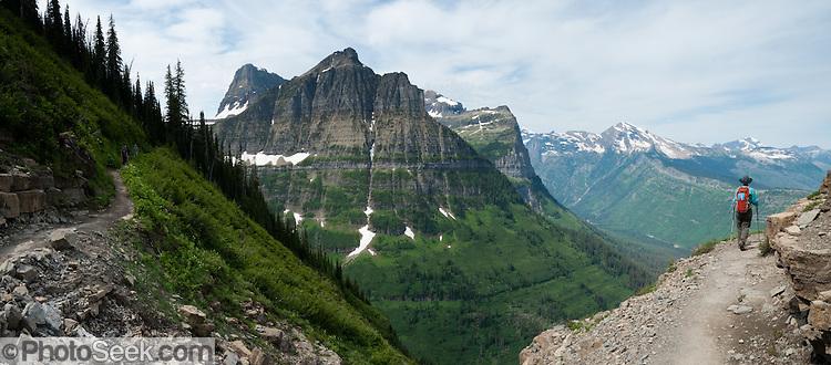 Hike The Garden Wall Trail From Logan Pass In Glacier National Park Montana Usa