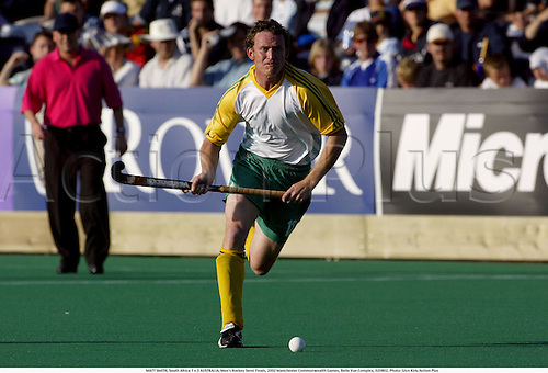 MATT SMITH, South Africa 1 v 3 AUSTRALIA, Men's Hockey Semi Finals, 2002 Manchester Commonwealth Games, Belle Vue Complex, 020802. Photo: Glyn Kirk/Action Plus...ball .field ..................................................
