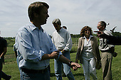 Smithville, Kansas.Nelson farm.USA.August 6, 2004..Democrtaic Presdentual nominee Sen. John Kerry and his VP running mate John Edwards and their wives visit a family farm in Kansas. .