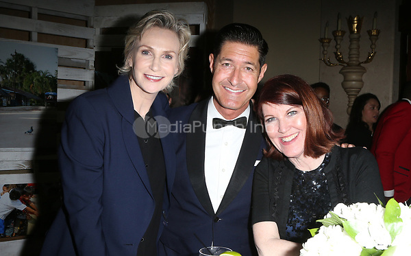 BEVERLY HILLS, CA - March 21: Tim Davis, Jane Lynch, Kate Flannery, At Generosity.org Fundraiser For World Water Day_Inside At Montage Hotel In California on March 21, 2017. Credit: FS/MediaPunch