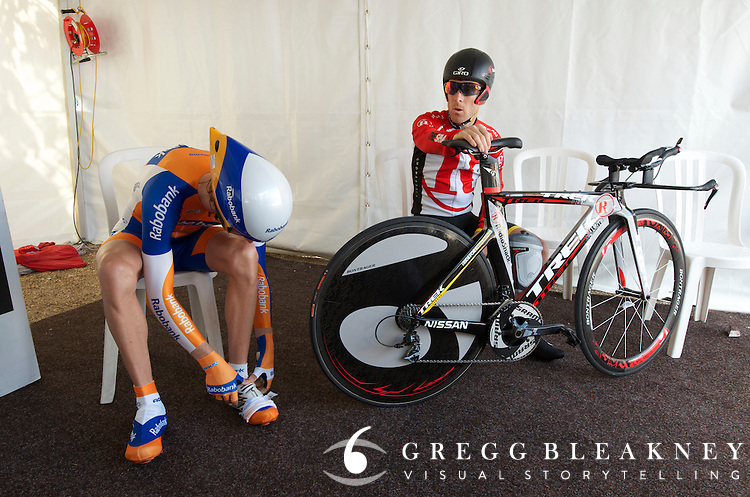 Rabobank's Steven Kruijswijk (finished 3rd overall) and Levi Leipheimer prepare before the final TDS TT.