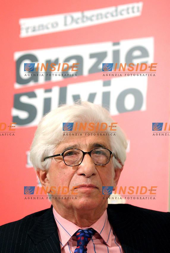 """Roma,06/12/2005:Presentazione del libro di Franco Debenedetti """"Grazie - Debenedetti-PresGrazieSilvio-SCre-9102"""