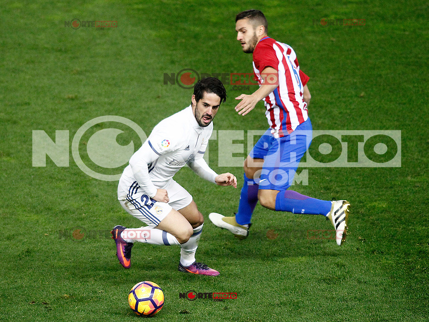 Atletico de Madrid's Koke Resurrecccion (r) and Real Madrid's Isco Alarcon during La Liga match. November 19,2016. (ALTERPHOTOS/Acero) /NORTEPHOTO.COM
