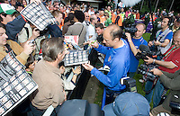 USA's Kasey Keller signs autographs after training in Hamburg, Germany, for the 2006 World Cup, June, 6, 2006.