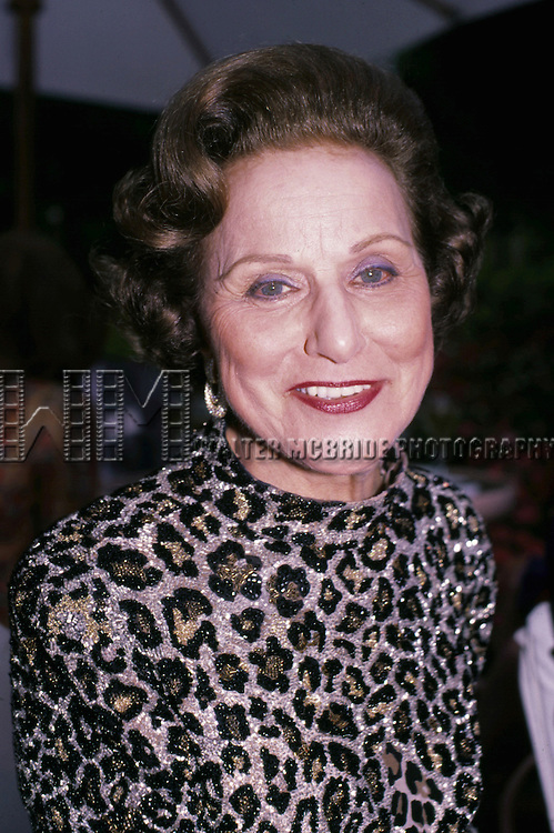 "Anne Landers in Los Angeles 1986..Pauline Friedman Phillips who, under the name Abigail Van Buren, wrote the long-running ""Dear Abby"" advice column followed by millions of newspaper readers throughout the world, has died. She was 94..Publicist Gene Willis of Universal Uclick said Phillips died Wednesday after a long battle with Alzheimer's disease."