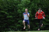 FIERLJEPPEN: WINSUM: 08-06-2013, Senioren Topklasse, Hannes Scherjon (#3), ©foto Martin de Jong