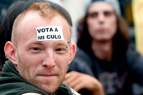 Los obreros de España se resisten a reforma que elimina la conquistas laborales