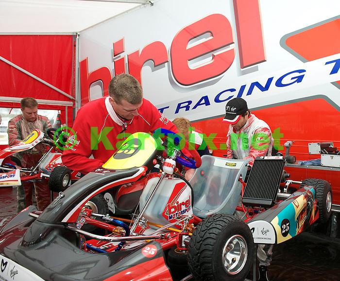 Marussia Virgin Racing Kart Grand Prix