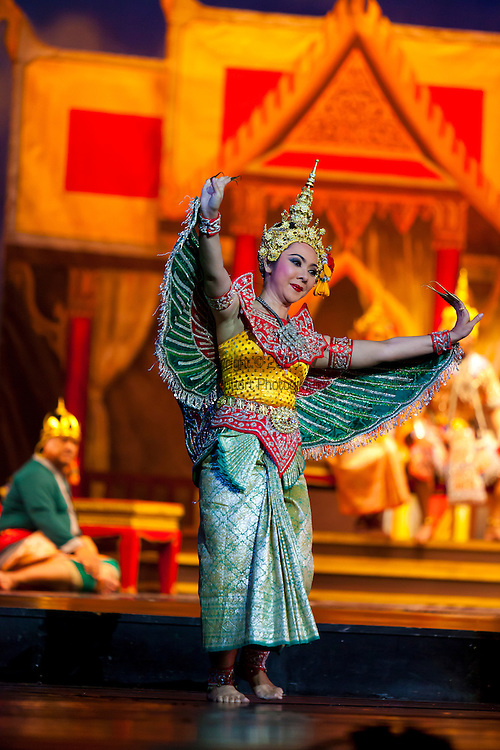 The National Theatre is located on Na Phra That Road next to the National Museum and predominantly shows Thai Classical drama and features performances of Lakon Chatri, a genre of theater originating from the Ayutthaya era.