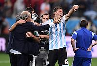 FUSSBALL WM 2014                HALBFINALE Niederlande - Argentinien       09.07.2014 Trainer Alejandro Sabella (li) und Martin Demichelis (re, beide Argentinien) jubeln ueber den Einzug in das Finale