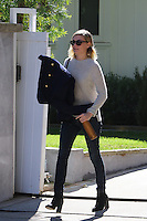 NOV 19 Kirsten Dunst seen in Beverly Hills_