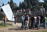 Troupe cinematografica mentre gira un film vicino al Teatro Marcello..Film crew while running a film near the Teatro Marcello..