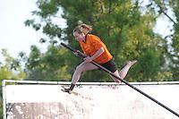 FIERLJEPPEN: BURGUM: 07-06-2013, Nationale competitie fierljeppen, ©foto Martin de Jong