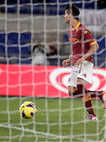 Calcio, Serie A: Roma vs Palermo. Roma, stadio Olimpico, 4 novembre 2012..AS Roma forward Erik Lamela, of Argentina, scores during the Italian Serie A football match between AS Roma and Palermo, at Rome's Olympic stadium, 4 november 2012..UPDATE IMAGES PRESS/Riccardo De Luca