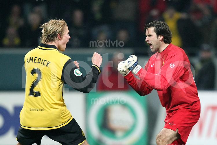 Fussball   DFB POKAL    Achtelfinale   Saison 2007/2008       Borussia Dortmund  2-1  SV Werder Bremen                 29.01.2008 JUBEL,  Borussia Torwart Marc Ziegler (re) freut sich mit Martin Amedick (Dortmund) ueber den gehaltenen Elfmeter.