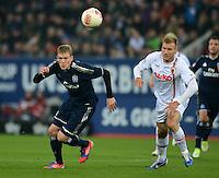 FUSSBALL   1. BUNDESLIGA  SAISON 2012/2013   9. Spieltag FC Augsburg - Hamburger SV           26.10.2012 Artjoms Rudnevs (li, Hamburger SV) gegen Ragnar Klavan (FC Augsburg)