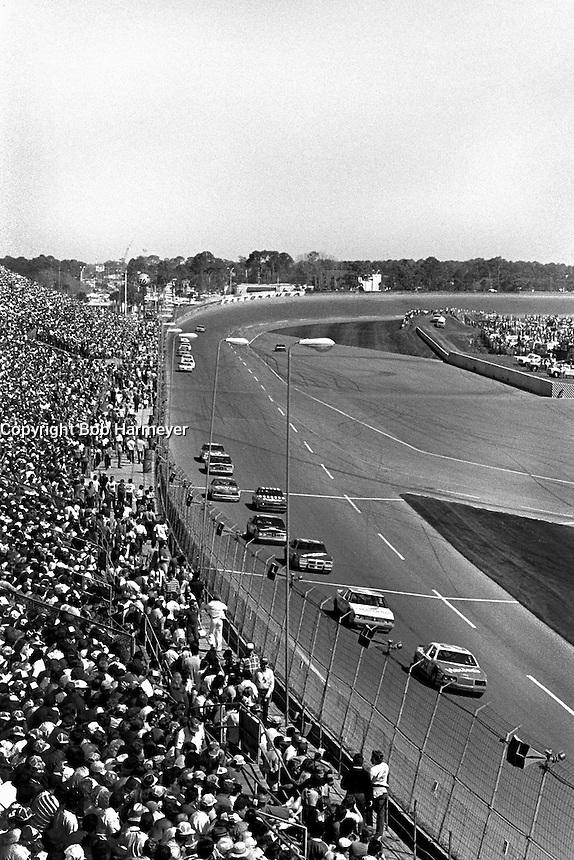 DAYTONA BEACH, FL - FEBRUARY 16: Cale Yarborough drives the Harry Ranier Ford at the front of the field during the Daytona 500 NASCAR Winston Cup race at the Daytona International Speedway in Daytona Beach, Florida, on February 16, 1986.