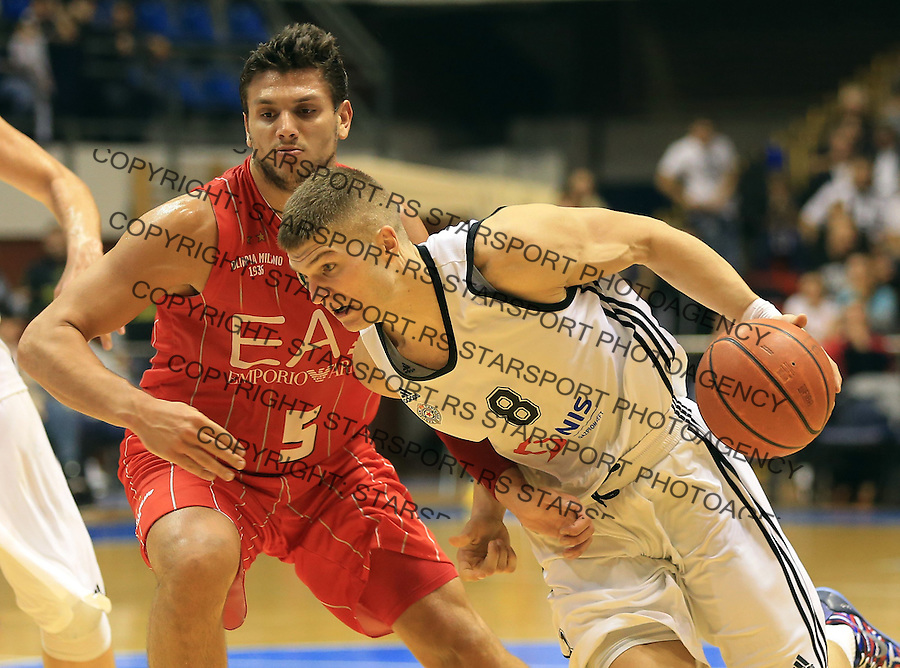 Kosarka Friendly match season 2014-2015<br /> Partizan Vs. Armani Jeans<br /> Edo Muric (R) and Allesandro Gentile<br /> Beograd, 25.09.2014.<br /> foto: Srdjan Stevanovic/Starsportphoto&copy;