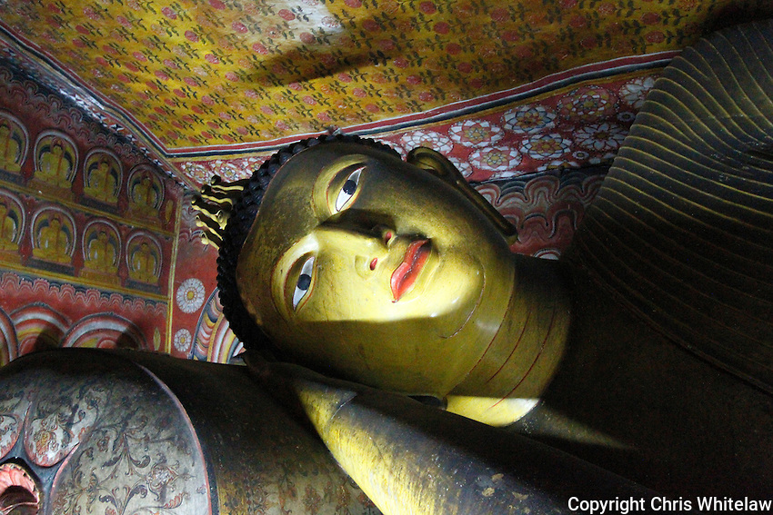 Reclining Buddha (15 metres), Devaraja Viharaya (Temple of the King of the Gods), Dambulla, Sri Lanka