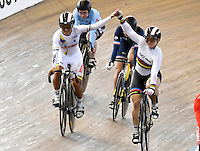 CALI – COLOMBIA – 19-02-2017: Kristina Vogel (Der.) de Alemania gana medalla de oro y Martha Bayona (Izq.) de Colombia, gana medalla de plata en la prueba Keirin Damas en el Velodromo Alcides Nieto Patiño, sede de la III Valida de la Copa Mundo UCI de Pista de Cali 2017. / Kristina Vogel (R) from Alemania win the gold medal and Martha Bayona(L) from Colombia, the silver medal in the Keirin Women Race at the Alcides Nieto Patiño Velodrome, home of the III Valid of the World Cup UCI de Cali Track 2017. Photo: VizzorImage / Luis Ramirez / Staff.