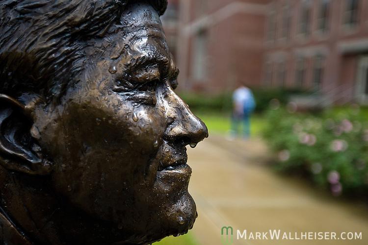 A bronze statue of past Florida State University president Sandy D'Alemberte along the Legacy Walk on the FSU campus.