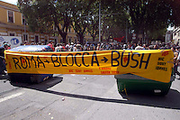 Roma 4 Giugno 2004  .Manifestazione del movimento No Global contro l'arrivo di Bush in Italia .Rome June 4, 2004.Manifestation of anti-globalization movement against the arrival of Bush in Italy. Roadblock.The banner reads: Roma Lock Bush..
