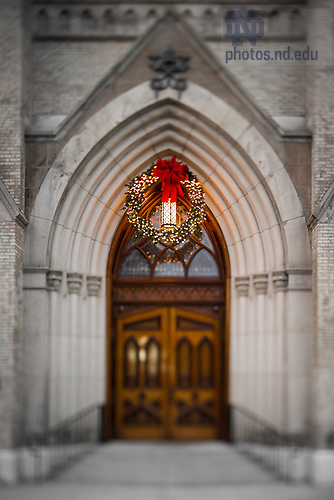 December 26, 2016; Basilica Door and Christmas wreath (Photo by Matt Cashore/University of Notre Dame)