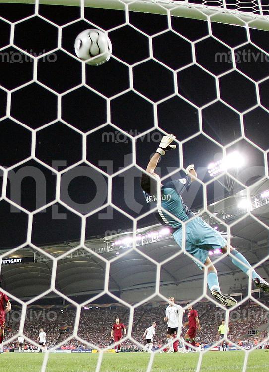 Fussball WM 2006 Spiel um Platz 3  Deutschland - Portugal Ricardo (POR) kann einen Gegentreffer durch Bastian Schweinsteiger (nicht zu sehen) nicht verhindern