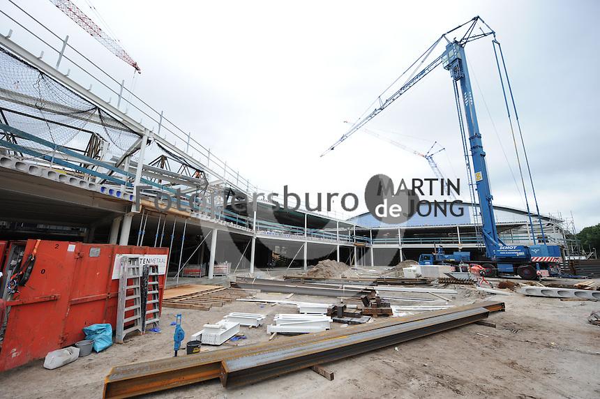 SCHAATSEN: HEERENVEEN: IJsstadion Thialf, 18-08-2015, Ver(nieuw)bouw, ©foto Martin de Jong