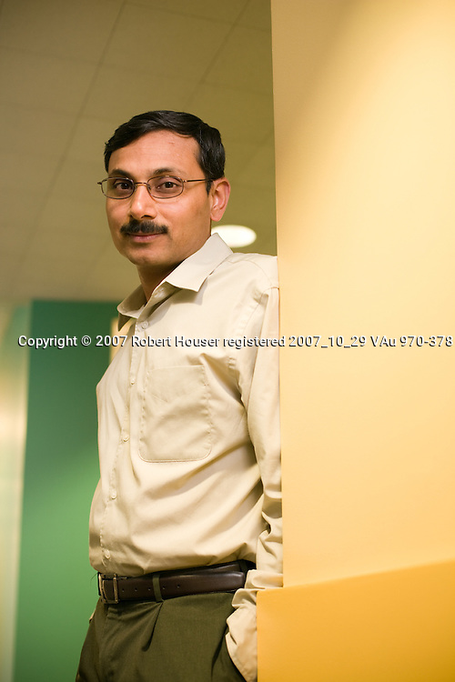 Sanjeev Jorapur - VP Technology - NetXen: Executive portrait photographs by San Francisco - corporate and annual report - photographer Robert Houser.
