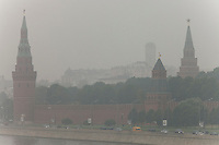 Moscow, Russia, 04/08/2010. .Smog covers The Kremlin, Red Square and Saint Basil's Cathedral in the record high temperatures of the continuing heatwave. Peat and forest fires in the countryside surrounding Moscow have resulted in the Russian capital being blanketed in heavy smog.