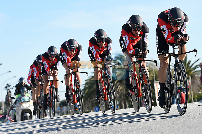 BMC Racing Team in action during the 1st stage of the race of the two seas, 52nd Tirreno-Adriatico by NamedSport a 22.7km Team Time Trial around Lido di Camaiore, Italy. 8th March 2017.<br /> Picture: La Presse/Fabio Ferrari | Cyclefile<br /> <br /> <br /> All photos usage must carry mandatory copyright credit (&copy; Cyclefile | La Presse)