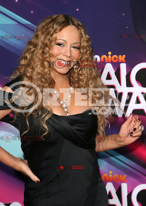 LOS ANGELES, CA - NOVEMBER 17: Mariah Carey at the TeenNick HALO Awards at The Hollywood Palladium on November 17, 2012 in Los Angeles, California. Credit mpi27/MediaPunch Inc. NortePhoto