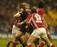 2006, Powergen Cup, Twickenham, Josh Lewsey and Alix Popham, London Wasps vs Llanelli Scarlets, ENGLAND, 09.04.2006, 2006, , © Peter Spurrier/Intersport-images.com.   [Mandatory Credit, Peter Spurier/ Intersport Images].