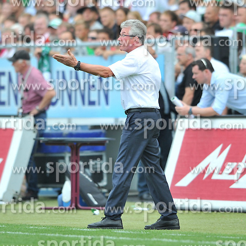 25.08.2012, Trolli Arena, Fuerth, GER, 1. FBL, SpVgg Greuther Fuerth vs FC Bayern Muenchen, 01. Runde, im Bild Jupp HEYNCKES (Trainer/ FC Bayern Muenchen) gibt seiner Mannschaft Anweisungen /Freisteller // during the German Bundesliga 01th round match between SpVgg Greuther Fuerth and FC Bayern Munich at the Trolli Arena, Fuerth, Germany on 2012/08/25,. EXPA Pictures © 2012, PhotoCredit: EXPA/ Eibner/ Aron Willers..***** ATTENTION - OUT OF GER *****